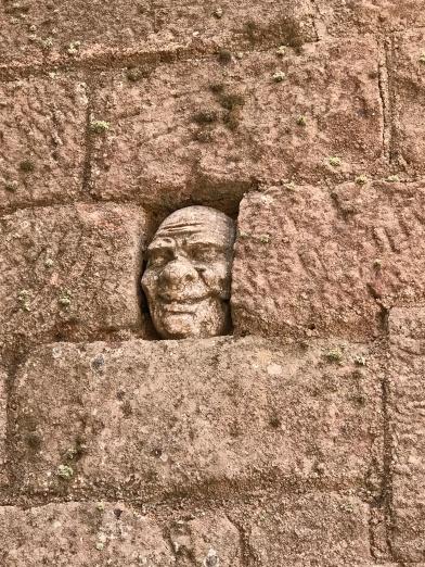 Màscara a Escornalbou
